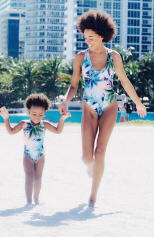 2017 Mother Daughter Matching Clothes Sexy Bikini Set One Piece Swimwear Swimsuit Bathing Suit