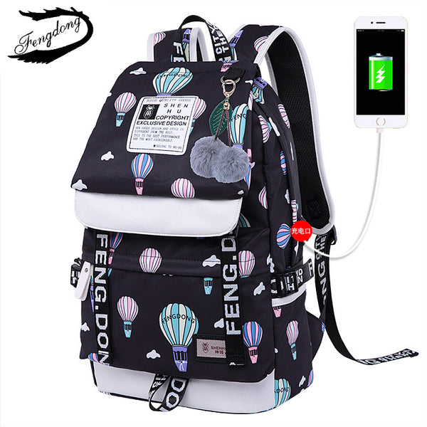 2018 Emoji Printed Women Backpack Best Travel Bag Cute Adolescence Female Backpack Knapsack Mochila