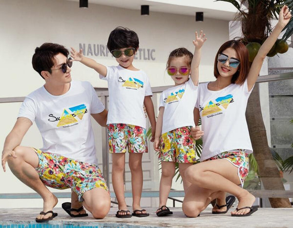 2018 Summer Family Look Outfits Mom Daughter Dad Son Cotton Print Short T-shirt+Pants Family Matching Outfits Beach Clothes