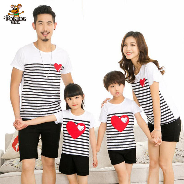 2018 Summer style family clothing for mother and children and father striped heart short-sleeve T-shirt family matching clothes