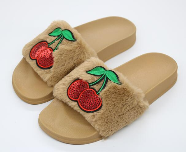 COOLSA New Arrival Women  39 s Furry Slippers Faux Fur Slippers Non ... 7f36bb46b946