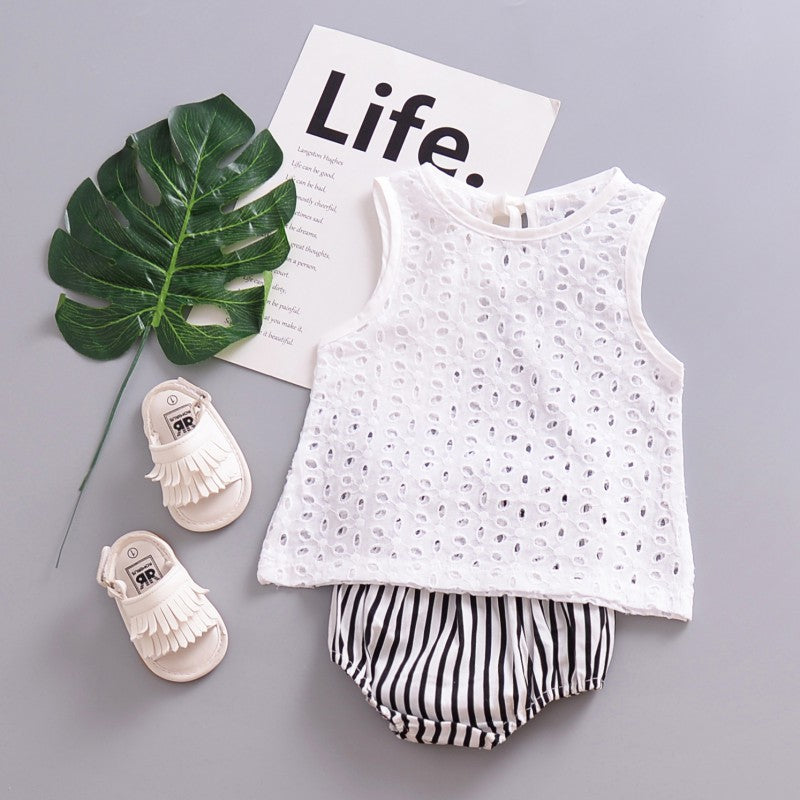 Girls' Baby Clothing Fashion Newborn Baby Cute Lace Hollow Tops T-shirt Blouse Girl White Outfits Sleeveless Baby Cotton T-shirt 2018 New Arrival