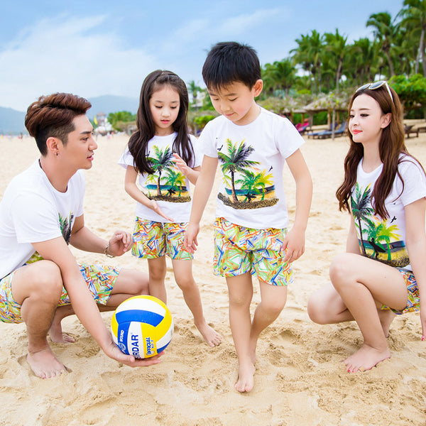 family matching clothes Beach swimming resort kids Short sleeve T-Shirts family Look Dad mother Son daughter travel equipment