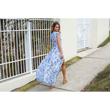 LOST IN THE MOMENT MAXI DRESS BLUE FLORAL