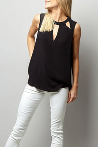 Crew Neck  Cutout Loose Fitting  Plain  Vests