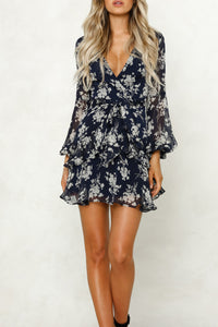 Deep V Neck  Abstract Print  Long Sleeve Casual Dresses