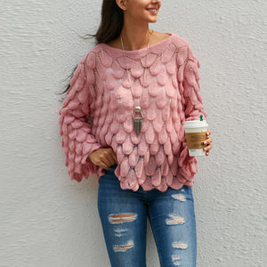 Round Neck Solid Color Wavy Pattern Sweater