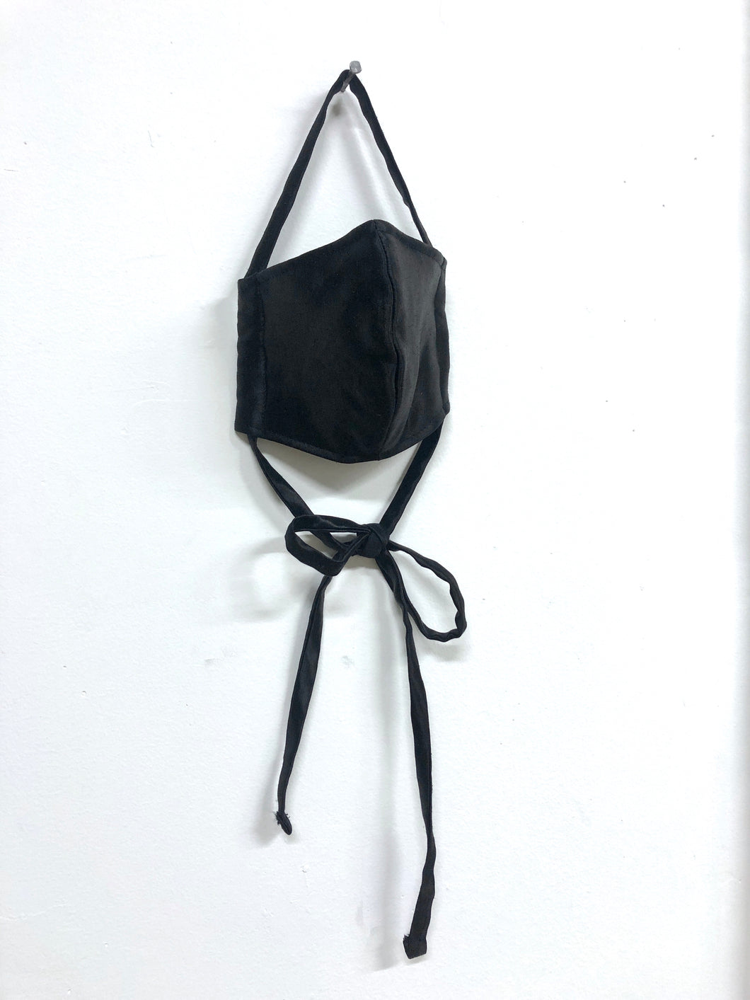 Silk & Hemp Health Mask in Black
