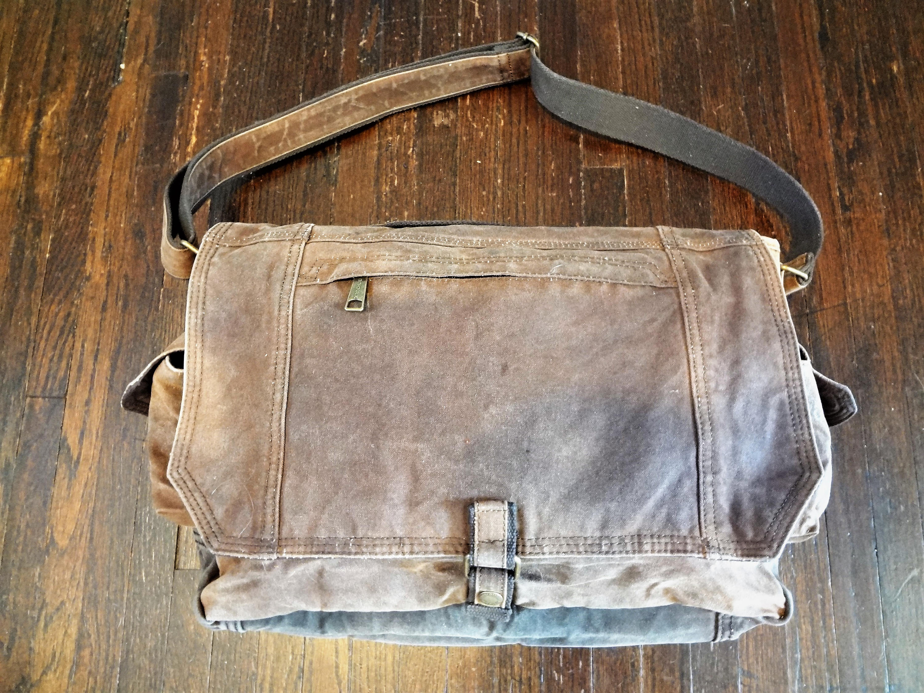 Waxed Canvas Messenger Bag (Brown) - Cedar Waxcraft