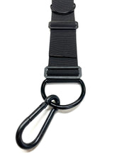 The throw away dogs gear tach 1 heavy duty hands free restraint system is great for training, walking, hiking, service dogs, and both law enforcement and military applications. It allows you to use your upper body to handle the weight of your dog while leaving your arms and hands stress free. We use heavy duty spring snaps and fittings to make sure they are secure and your dog ca not get free.