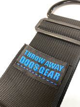 The throw away dogs gear hands free restraint system is great for training, walking, hiking, and service dogs. It allows you to use your upper body to handle the weight of your dog while leaving your arms and hands stress free.