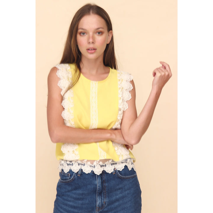 H Apparel Ropa S / Yellow Blusa con crochet