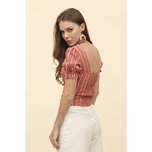 H Apparel Ropa S / Rust Blusa crop top con escote