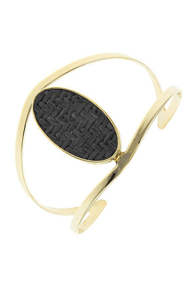 Zig zag patterned oval open cuff bracelet