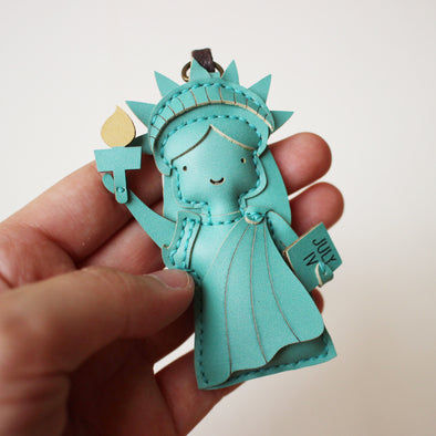 Leather Charm Nữ thần Tự do Statue of Liberty - PT074
