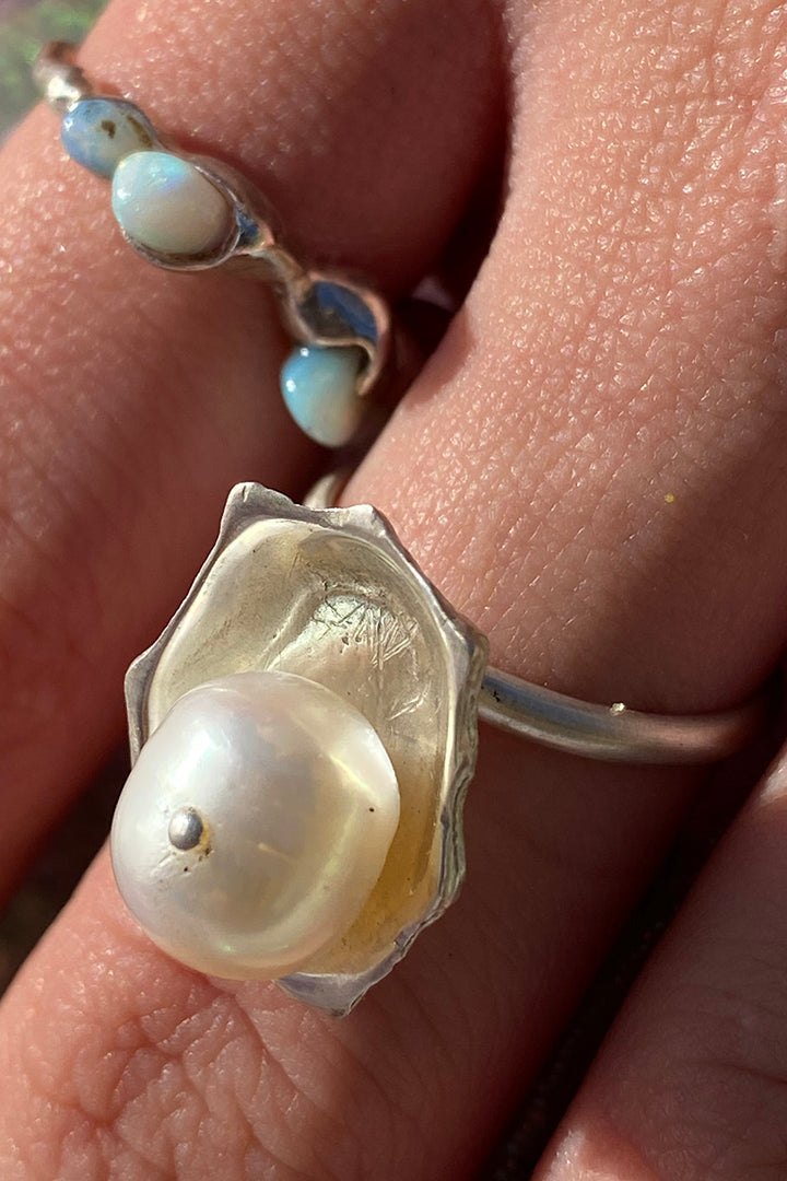 Pearl Patella Ring