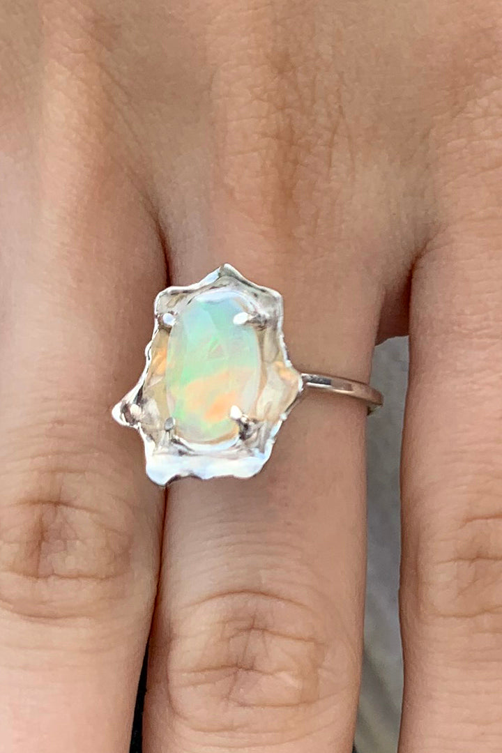 Opal Patella Ring