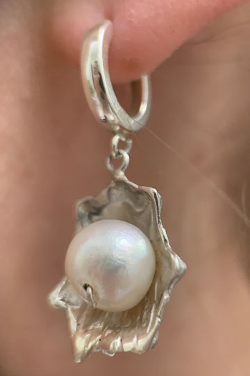Pearl Patella Earrings