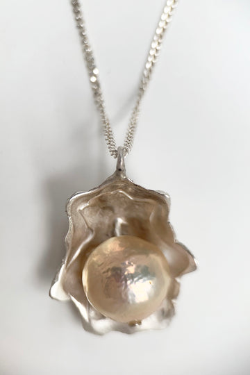 Pearl Patella Necklace