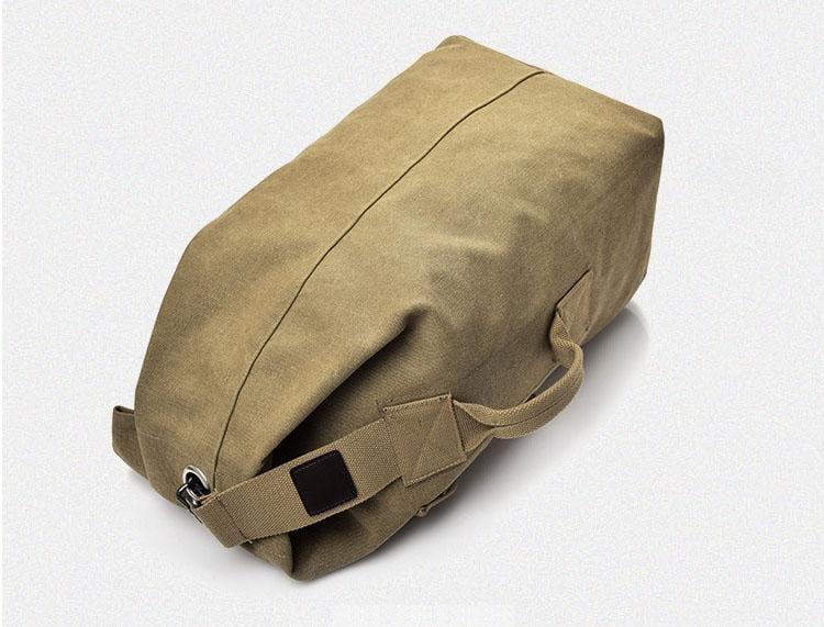 This rucksack has a contemporary yet traditional design.