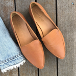 Shoe Shu - Leather Pointed Loafer -Camel