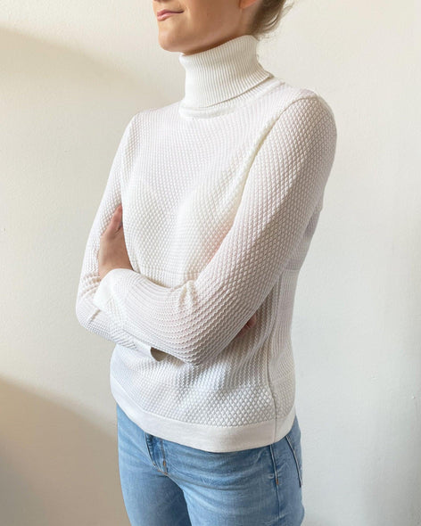 Fiord Seed Turtleneck - White