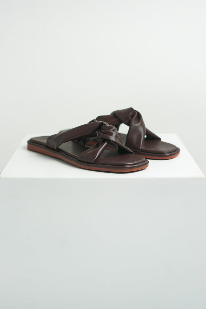 Jessie Leather Sliders in Dark Chocolate