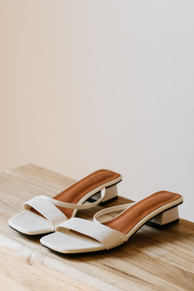 Odette Slant Heels in Cream