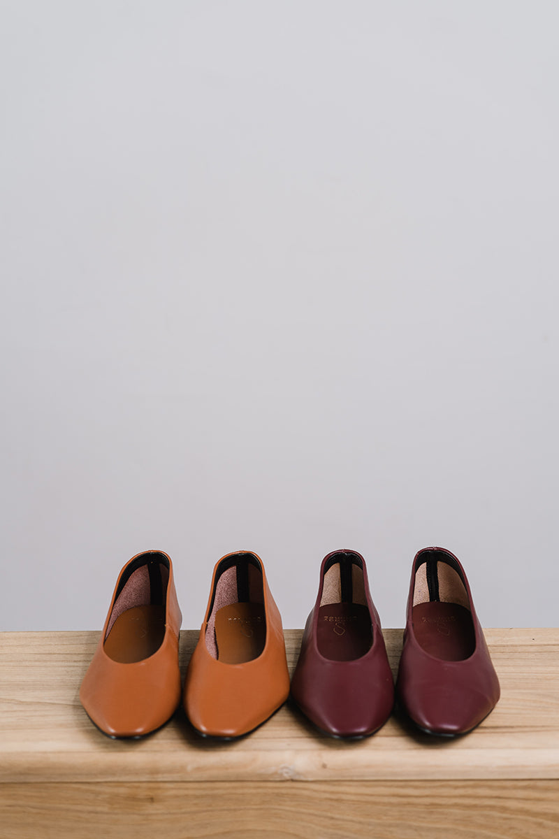 Tracy Pointed Flats in Camel