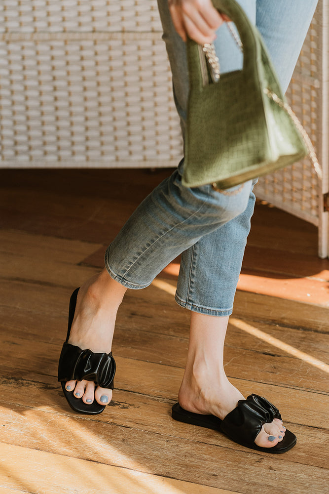 Willow Sliders in Black