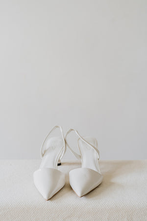 Load image into Gallery viewer, Violet Heels in White
