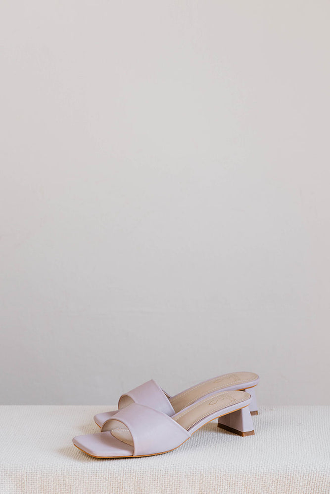 Load image into Gallery viewer, Carla Heels in Lilac