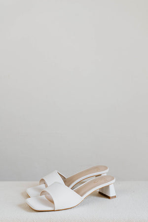 Load image into Gallery viewer, Carla Heels in Cream