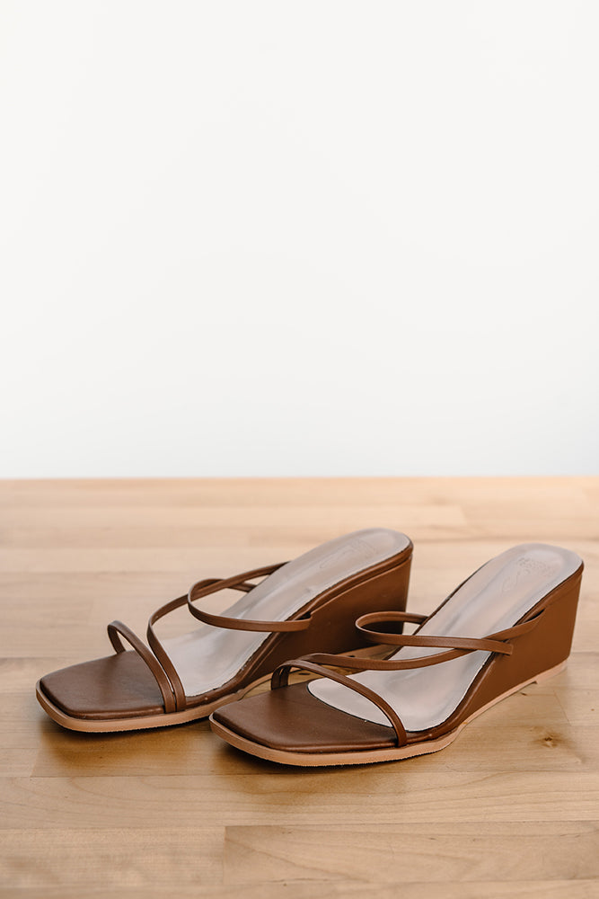 Load image into Gallery viewer, Melanie Strappy Wedges in Chocolate