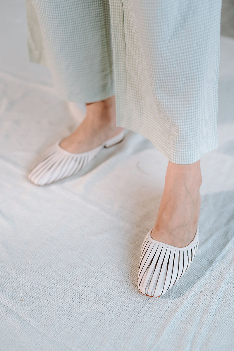 Poppy Sliders in Cream