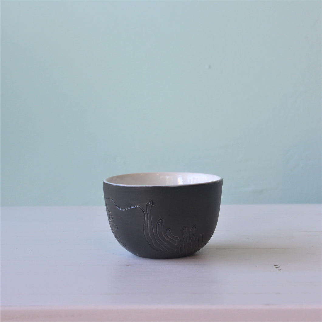 Kristina Cooke squiggle bowl black