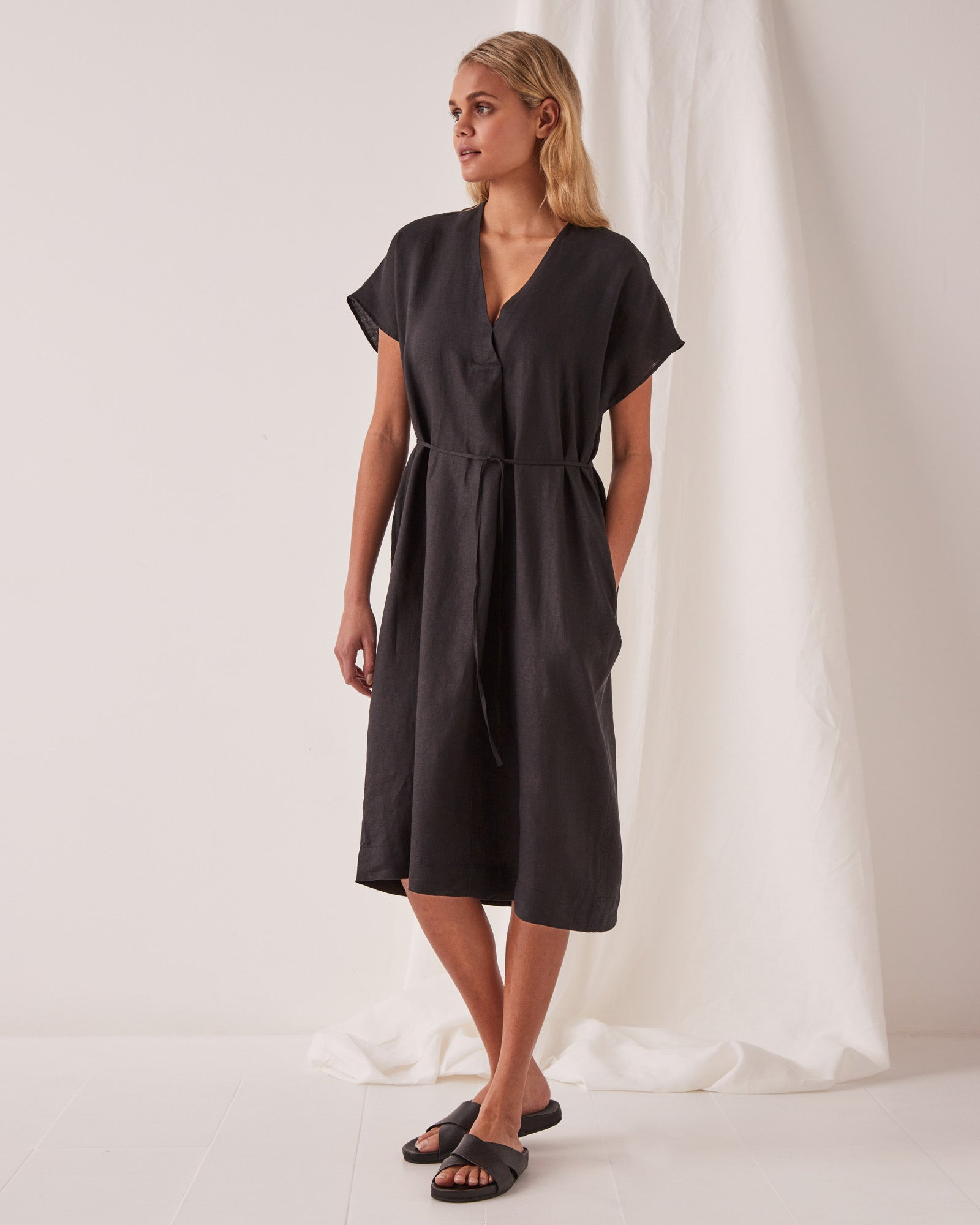 Freya Linen Dress Black