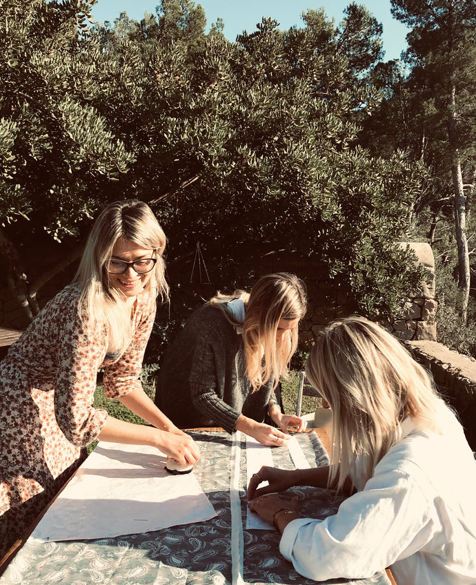 THE SEWING CIRCLE                                   A creative women's retreat in Mallorca