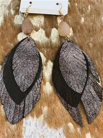 Nothing Better Feather Earring - Black