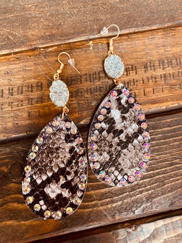 Going Wild Pendant And Druzy Earrings - Snake-Southern Fried Chics