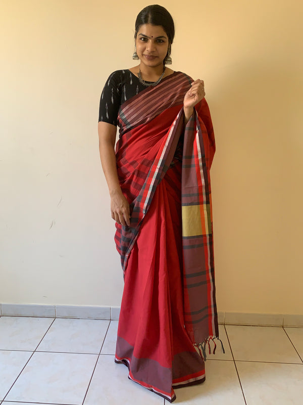 Smoky chilli red cotton+zari saree. - noolbyhand.com