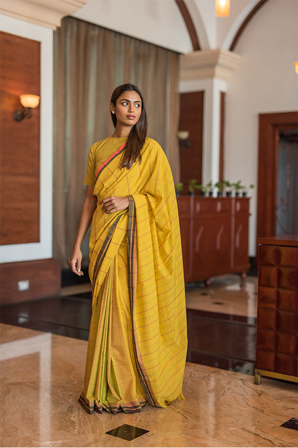 Turmeric-cinnamon cotton saree. - noolbyhand.com