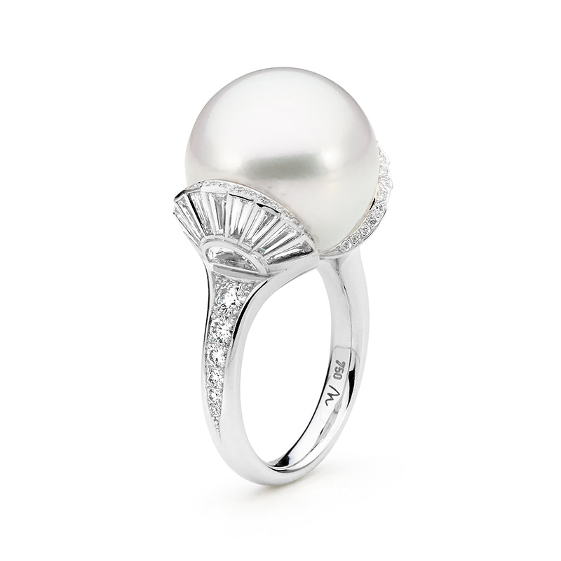 White South Sea Pearl and Diamond Fan Ring, Jewelry by Matthew Ely & Autore