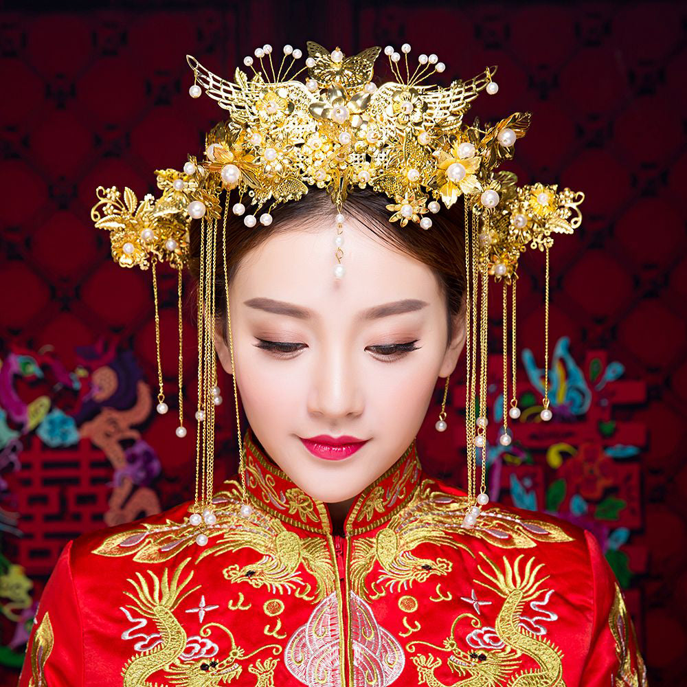 Chinese Bride with Pearls