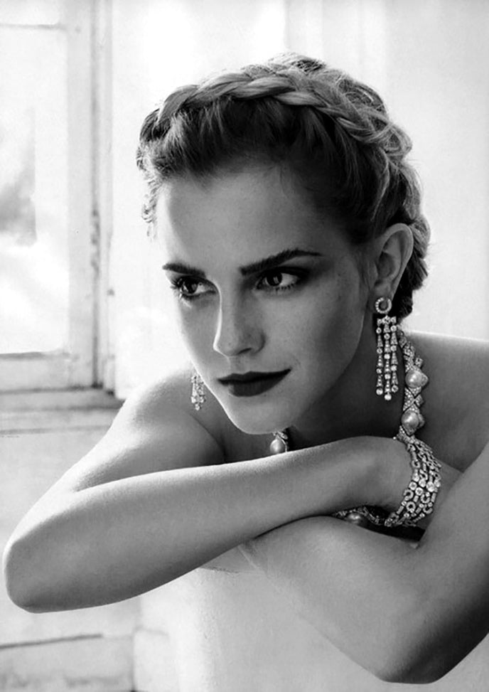 Emma Watson Elegant Pearls in Black and White