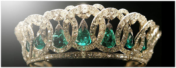Crown Emerald Drop