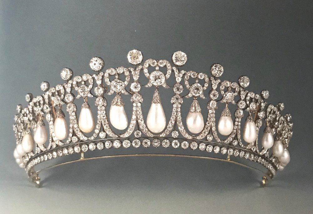 The Lover's Knot Tiara