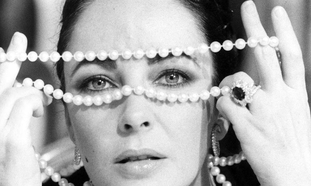 How to Spot Fake Pearls