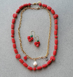 Rose wine resin necklace