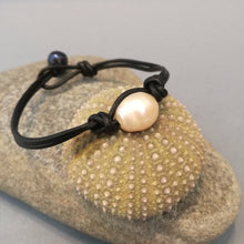 Simple bohemian white leather pearl bracelet